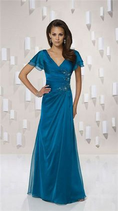 V-neck A-line chiffon bridesmaid gown Pretty. Maybe even a mom of the bride dress? Cute Wedding Dress, Fall Wedding Dresses, Colored Wedding Dresses, Wedding Blue, Trendy Wedding, Wedding Gowns, Wedding Outfits, Lace Wedding, Wedding Flowers