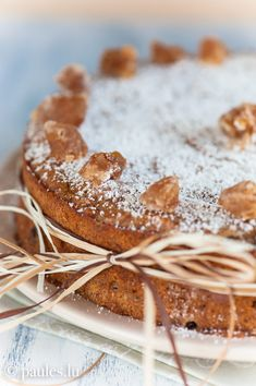 Chestnut cake with chocolate German Cake, Around The World Food, Cupcakes, Fall Baking, Rice Cakes, Coffee Cake, Let Them Eat Cake, Just Desserts, Sweet Treats