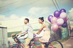 Engagement Photo   Austin, Texas   Balloons   Bicycle   Photo by Prima Luce Studio