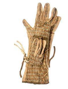 Glove from the tomb of Tutankhamun. (C) CULTNAT, Dist. RMN-Grand Palais / Ayman Khoury.