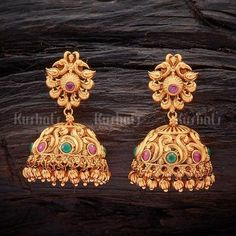 Necklaces Simple Designer antique jhumka earrings studded with synthetic ruby green stones, plated with gold polish and made of copper alloy Gold Jhumka Earrings, Jewelry Design Earrings, Gold Earrings Designs, Gold Jewellery Design, Antique Earrings, Bridal Earrings, Gold Jewelry, Bridal Jewelry, Earings Gold