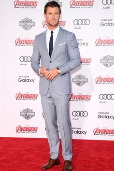 Also checking in for summer: Thor with this light blue Salvatore Ferragamo suit