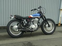 Yamaha SR400 street tracker by Japanese builder M.