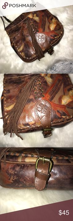 Patrica Nash Roman Goddess Print Crossbody Fair condition, third picture shows bent metal hardware. It does not affect the clasp working, can be easily fixed. Leather does show some wear. One exterior pocket on the backside, one on front of flap, one right as you open the flat on the front inside, one zip compartment inside and two extra open compartments on opposite side. Patricia Nash Bags Crossbody Bags
