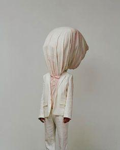Risultati immagini per Geoffrey Cottenceau & Romain Rousset Minimal Photography, Fashion Photography, Human Sculpture, Mode Costume, Hidden Face, Human Art, Animal Heads, Textiles, New Face