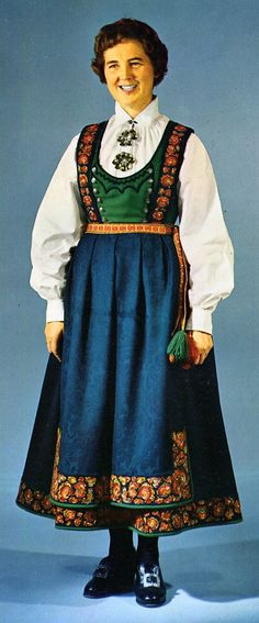 FolkCostume&Embroidery: Overview of Norwegian Costumes, part The eastern heartland Folk Clothing, Clothing Patterns, Norwegian Clothing, German Outfit, Doll Costume, Scandinavian Style, Traditional Dresses, Glamour, Lappland