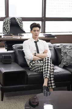 Lee jong suk - W two worlds drama ♥♥ Lee Jong Suk Cute, Lee Jung Suk, Han Hyo Joo Lee Jong Suk, Lee Joon, Asian Actors, Korean Actors, Kang Chul, Chan Lee, W Two Worlds
