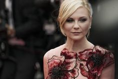 See the most beautiful moments from the red carpet during the Cannes Film Festival Beautiful Moments, Beautiful Outfits, Beautiful People, Beautiful Clothes, Gucci Gown, Kirsten Dunst, Event Photos, Celebs, Celebrities