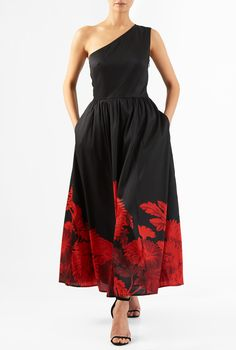 Our alluring maxi dress tailored in floral print polydupioni has a flattering one-shoulder silhouette and a seamed waist that tops the ruched pleat full skirt.