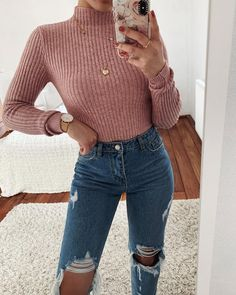 winter casual cute outfits Casual Winter Outfits for Weekend Cute Fall Outfits, Casual Winter Outfits, Girly Outfits, Simple Outfits, Stylish Outfits, Winter Outfits Tumblr, Amazing Outfits, Outfits With Mom Jeans, Sweater And Jeans Outfit
