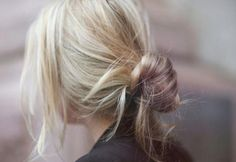 De 'banana bun' is de nieuwe favoriete haartrend op Pinterest - FASHION & BEAUTY - Flair