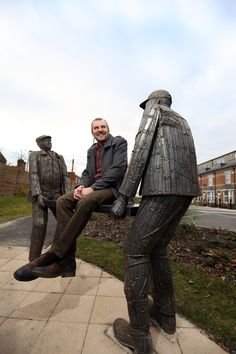 Artist Ray Lonsdale with his South Bank sculpture.