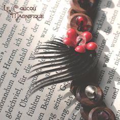 Collana retro con bottoni e fiore rosso - C.59.2015, by Le coucou magnifique, 17,00 € su misshobby.com