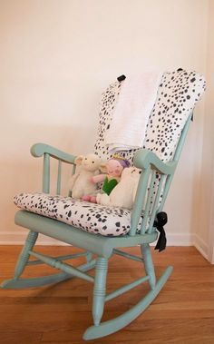 Diy nursery decor - diy upholstered rocking chair - easy projects to make for baby room