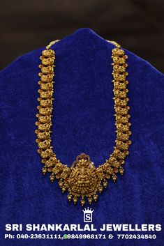 Please Visit Store to see complete collections. For any further information call 13 February 2019 Gold Temple Jewellery, Gold Wedding Jewelry, Bridal Jewelry, Indian Jewelry Earrings, Jewelry Design Earrings, Gold Jewelry Simple, Schmuck Design, Gold Necklace, Antique Necklace