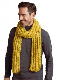 Perfect for trying your hand at knitting, this scarf is made from FILOMECHE yarn wool - acrylic - polyamide). Snood Scarf, How To Start Knitting, Cool Hats, Shades Of Yellow, Sweater Fashion, Pulls, Knitting Patterns, Wool, Stylish