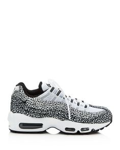 lowest price a25d8 94341 Naked - Supplying girls with sneakers - Nike 830768 551 Air Max Plus SE TN   NAKED  S H O E S P O R N  Pinterest  Shoes, 80s shoes og Nike shoes