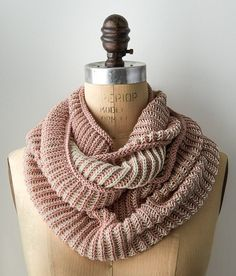 Ravelry: Two-Color Cotton Cowl pattern by Purl Soho Más Knit Cowl, Knitted Shawls, Knit Crochet, Knitted Gifts, Knit Scarves, Lace Shawls, Cowl Scarf, Crochet Beanie, Crochet Granny