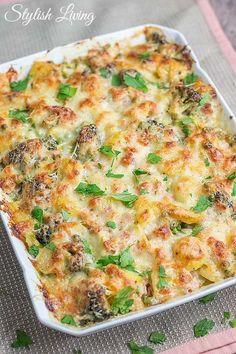 Kartoffel-Gemüse-Auflauf mit Käse und Schinken Vegetable Casserole, Pork Chops, Grilling Recipes, Potato Recipes, Hamburger, Steak, Cheesecake, Sandwiches, Tacos