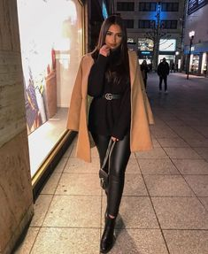 Legging Outfits, Leggings Outfit Winter, Leather Leggings Outfit, Tribal Leggings, Winter Night Outfit, Teen Leggings, Outfit Night, Comfy Outfit, Leather Outfits