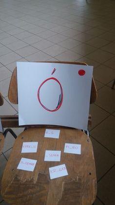 Krzesła ortograficzne, to kolejna propozycja do zabawy w ortografię... w biegu. Paper Shopping Bag, Place Card Holders, Education, Games, School, Kids, Therapy, Teaching Ideas, Young Children