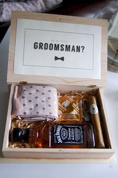 Trendy wedding party gifts groomsmen be my groomsman ideas Groomsmen Boxes, Groomsmen Proposal, Wedding Gifts For Groomsmen, Bridesmaids And Groomsmen, Gifts For Wedding Party, Party Gifts, Wedding Bridesmaids Gifts, Wedding Ideas, Groomsmen Presents