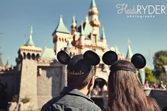 Great photo idea for Disneyland Disney World  Disney parks