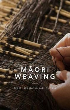 Maori Weaving: The Art of Creating M?ori Textiles - Provides detailed photographs showing the steps in selecting, preparing and weaving flax. Throughout the book, Maori traditional . Meme Costume, Flax Weaving, Basket Weaving, Auckland, Kiwi, New Zealand Flax, Textile News, Polynesian Art, Maori Designs