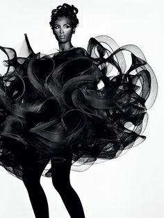 Future Beauty: Avant-Garde Japanese Fashion