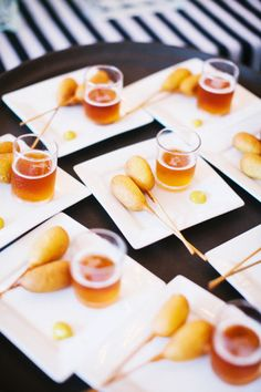 17 Hors d'oeuvres Ideas for the Best Cocktail Hour Ever: Corn Dogs & Beer Pair a couple of mini corn dogs (and a dollop of mustard!) with a shot glass filled with beer. Tapas, Mini Corn Dogs, Cocktails, Cocktail Desserts, Cocktail Parties, Cocktail Drinks, Cocktail Recipes, Wedding Appetizers, Reception Food