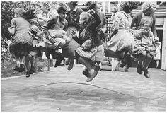 Jump Around! Vintage Skipping Rope by Kryn Taconis Great Photos, Old Photos, Vintage Photos, Vintage Photography, Street Photography, Vignette Photography, Classic Photography, Skipping Rope, The Good Old Days