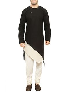 black and white cross pattern qurta Nigerian Men Fashion, Indian Men Fashion, Mens Fashion Suits, African Fashion Dresses, Kurta Pajama Men, Kurta Men, Mens Sherwani, Wedding Sherwani, Indian Groom Dress