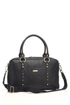 Wickeltasche der Luxusklasse aus softem Leder in schwarz. Kann nach der Wickelzeit auch als tolle Laptop-Tasche eingesetzt werden.Das geräumige Modell besitzt zwei Außentaschen und neun Innenfächer. Kommt mit umfangreichen Zubehör:...