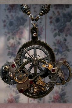 Love the look.details need to be adjusted! Cogs, Steampunk Necklace, Washer Necklace, Pendant Necklace, Old World, Metal Working, Pocket Watch, Watch Gears, Victorian