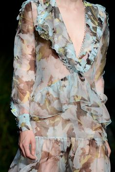 Erdem Spring 2015 Ready-to-Wear - Collection - Gallery - Style.com Mint And Berry, Erdem, Spring Summer 2015, Donna Karan, Modest Outfits, Elie Saab, Ready To Wear, Fashion Show, Runway