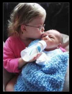Helping an older sibling to adjust. From www.ahaparenting.com Photo: Marvelous Momma