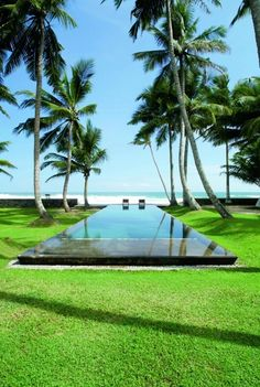 Tempo da Delicadeza - Sri lanka. Pools are capable of make the difference in luxury projects. They can be square, rectangular or round, but they are a sign of opponency and elegance and can be included in country houses, beach houses or even rooftops. See some excelent decor ideas here: http://www.pinterest.com/homedsgnideas