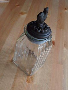 Szklane cudo z żeliwnym wieczkiem