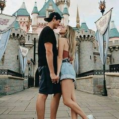 Image about love in Relationship Goals💋😍❤ 👫 by ♕ Queen Slayer ♕ - Disneyland Couples, Disneyland Photos, Disney Couples, Cute Disney Pictures, Cute Couple Pictures, Cute Couples Goals, Couple Goals, Couple Photography, Photography Poses