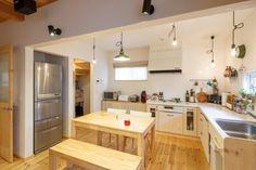 【アイジースタイルハウス】キッチン。収納力の高いパントリーが◎動きやすいL字型キッチン