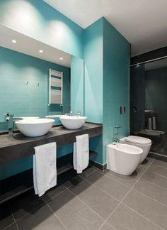 Luxus Badezimmer Im Blau Und Grau Aufsatzwaschbecken Doppelwaschtisch Bad  Blau, Luxus Badezimmer, Blau Grau