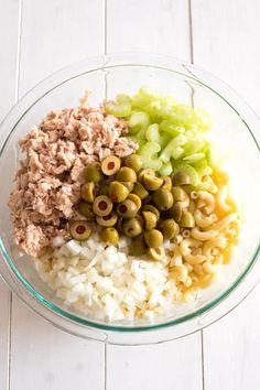 The best cold tuna pasta salad! This creamy macaroni salad with mayonnaise is great for potlucks or add peas for a complete meal! Mayo Pasta Salad Recipes, Tuna Fish Recipes, Tuna Salad Pasta, Salad Dressing Recipes, Healthy Meals To Cook, Healthy Diet Recipes, Healthy Eating, Vegetarian Meals, Healthy Salads
