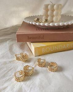 Dainty Jewelry, Handmade Jewelry, Jewlery, Gold Lipstick, Double Chain, Gold Accessories, Jewellery Storage, Jewelry Photography, Contemporary Jewellery