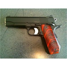 Black V-Bob with beautiful grips Loading that magazine is a pain! Get your Magazine speedloader today! http://www.amazon.com/shops/raeind