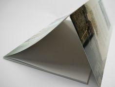 Livre en dos carré collé, couverture souple avec UN rabat. #rabat #flaps #cover #book #couverture #livre