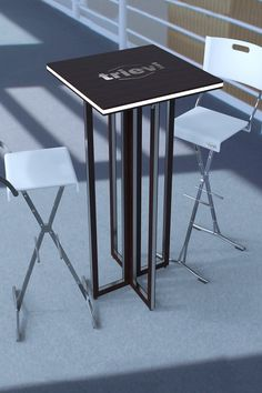 Mesa Grace alta con taburetes trievi.