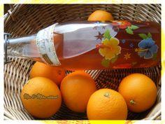 Cet été, j'ai réalisé mon premier vin d'oranges. Ce vin est vraiment très bon et très facile à réaliser. Tellement facile que j'en ai fait une seconde fois