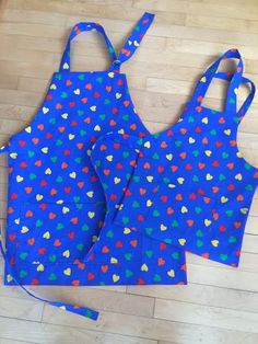 Mommy and me aprons Mom Valentine's Day gift by MumsMittens