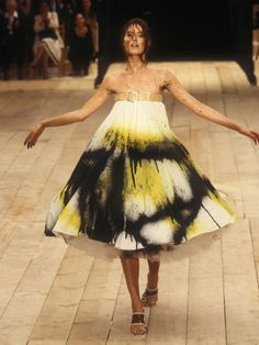 Shalom Harlow >> Givenchy >> Alexander McQueen
