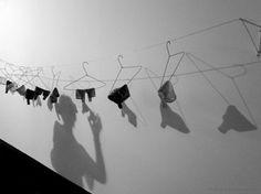 A roupa, ela não lava; O lixo, ela não leva; Ordem, ela não louva; Granfina, usa luva! Todo dia, ela quer love! Ainda morro, Ana Lívia! Então eu bebo e fico leve! (Lina Marano - Ana Lívia Lava-boca)